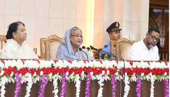 PM asks DCs to get tough on muscle power, terrorism