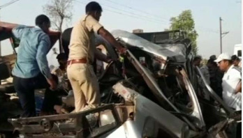 15 killed in road crash on way to relative's funeral