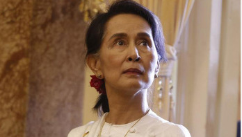 Amnesty strips Aung San Suu Kyi of human rights award
