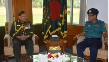 DMP commissioner pays courtesy call on army chief