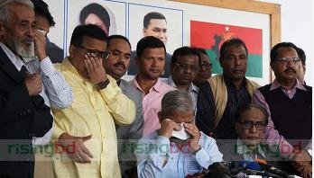 Fakhrul breaks down in tears