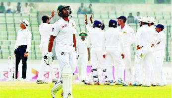 এভাবে টেস্ট খেলার কোনো অর্থ নেই : মাহমুদউল্লাহ