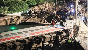 Taiwan train derailment leaves 22 dead