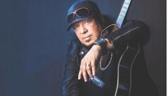 Popular singer Ayub Bachchu dies