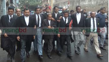 'রাজনীতি মানেই কি বিরোধী দলের ওপর আক্রমণ'