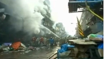 Fierce fire breaks out at Kolkata's Bagri market