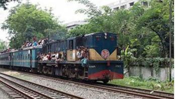 ২৭ ঘণ্টা পর রংপুর-ঢাকা রেলপথ চালু