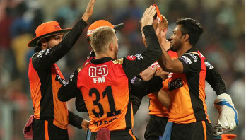 Watson steers Chennai to win 6-wicket over Hyderabad