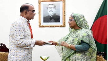 PM donates Tk 35 lakh to actor Ahmad Sharif