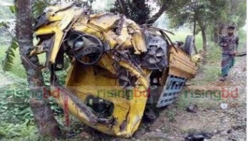Three killed as train hits pick-up van