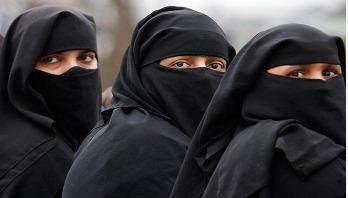 Sri Lanka bans burqa, other face veils