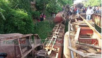 Oil tank wagons derail in Chattogram