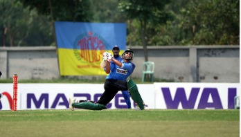 Soumya silences critics with record double ton