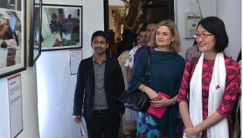 'সুইডিশ ড্যাডস অ্যান্ড বাংলাদেশি বাবা' শীর্ষক আলোকচিত্র প্রদর্শনী