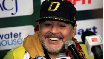 Maradona reveals he has three children in Cuba