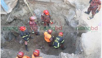 Mudslide kills 2 workers in Sirajganj