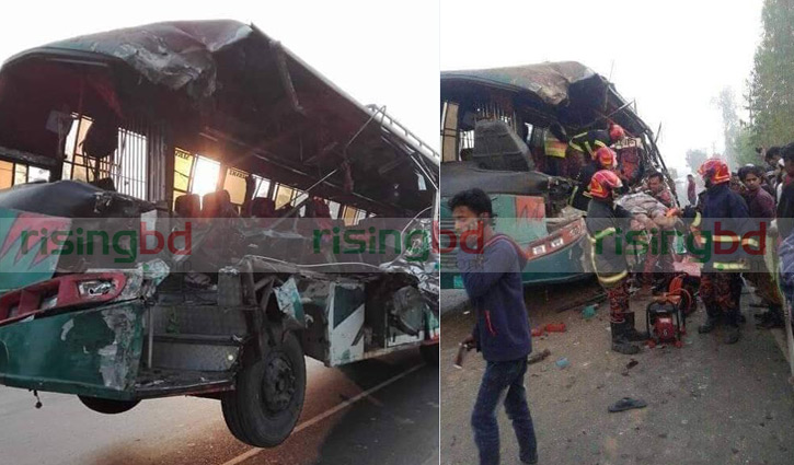 Bus-truck collision kills 6 in Cumilla