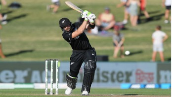 New Zealand beat Bangladesh by 8 wickets