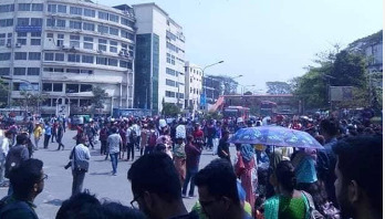Students besiege Shahbagh for safer roads