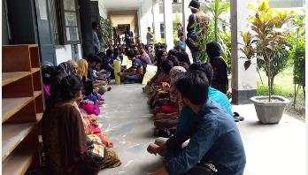 রাবির সাংবাদিকতা বিভাগের শিক্ষার্থীরা আন্দোলনে