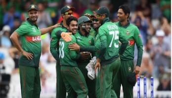 Shakib takes 2 as Bangladesh take back control