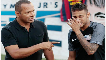 Neymar's father reveals talks with PSG over contract extension