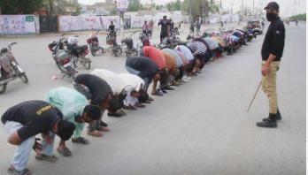 পুনরায় লকডাউন ঘোষণা করার কথা ভাবছে পাকিস্তান