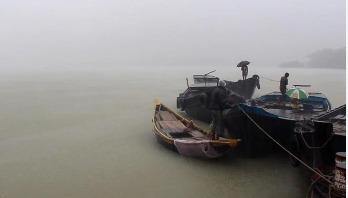 পিরোজপুরে থেমে থেমে বৃষ্টি, জোয়ারের পানি বৃদ্ধি