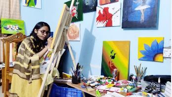 প্রতিকূলতা পেরিয়ে তাসনিম আজ চিত্রশিল্পী