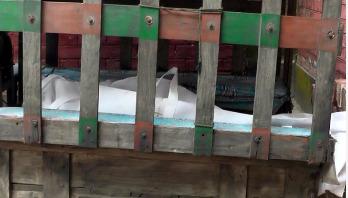 জাহাজের নিচে চাপা পড়া ২ শ্রমিকের লাশ উদ্ধার