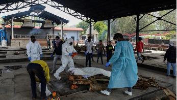 দিল্লিতে করোনায় মৃতদের সৎকারে হিমশিম কর্তৃপক্ষ