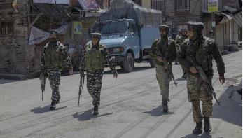 কাশ্মীরে নিরাপত্তা বাহিনীর হামলায় ৫ বিচ্ছিন্নতাবাদী নিহত