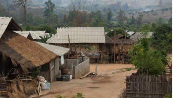 বিপাকে করোনা গ্রামের বাসিন্দারা
