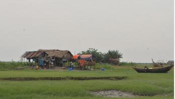 'আমাগো আল্লাহ ছাড়া কেউ নাই'