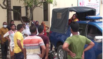 মসজিদ কমিটি নিয়ে  'দ্বন্দ্বে' যুবক খুন,আটক ২ নারী