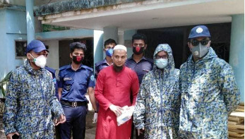 চট্টগ্রামে করোনার ওষুধ বিক্রি: হাতেনাতে ধরা প্রতারক