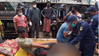 মিয়ানমার নৌবাহিনীর গুলিবর্ষণে ৬ জেলে আহত