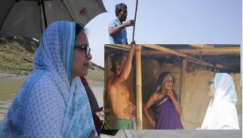 গ্রামে গ্রামে ঘুরেছেন সাবেক এমপি কেয়া