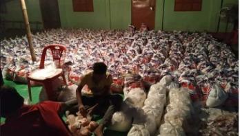 ৬২০ পরিবারে খাদ্যসামগ্রী পৌঁছে দিল ছাত্রলীগ