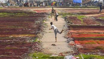 উইজডেনের বছরের সেরা ছবিতে চট্টগ্রামের ফিশারি ঘাট