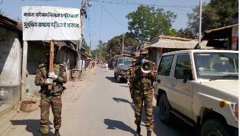দিনাজপুরে করোনা রোধে তৎপর সেনাবাহিনী