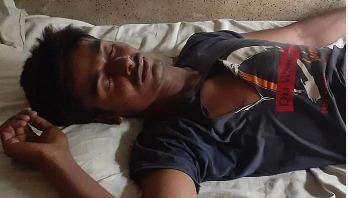 পটুয়াখালীতে ডেইলি সানের প্রতিনিধি সন্ত্রাসী হামলার শিকার