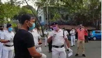 করোনা আতঙ্কের মধ্যে স্বস্তি দিলো কলকাতা পুলিশ
